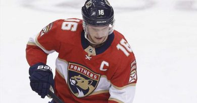 Aleksander Barkov injury update: Florida Panthers captain 'should be fine' after leaving Saturday's game