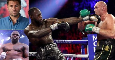 Hearn says Fury-Wilder trilogy bout 'must happen this year'