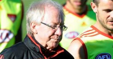 Bombers mourn long-time club doctor Bruce Reid