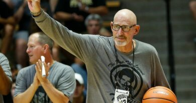 Longtime radio voice of Purdue basketball Larry Clisby dies at 74