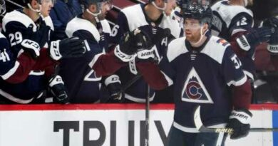 J.T. Compher snaps scoring drought as Avalanche bright spot vs, Wild