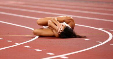 Katarina Johnson-Thompson suffers injury heartbreak in Olympic heptathlon